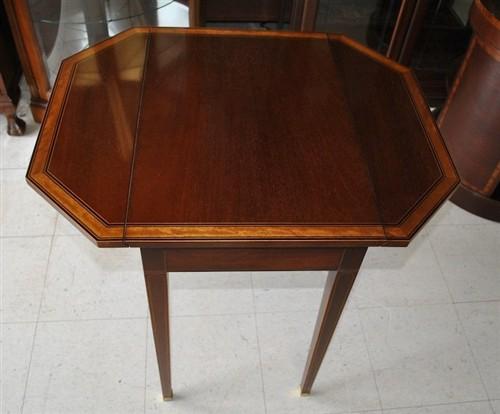 Baker Pembroke Style Mahogany Dropleaf Table